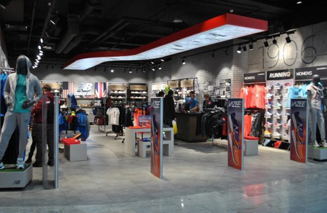 Магазин спортивного ритейл-бренда New Balance открылся в Киеве ... f94c1436a76e7