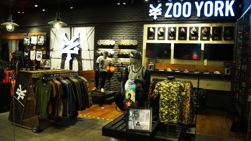 Zoo York at Outlet Malls Store Locations at Outlet Malls for. Outlet malls in other states Mall stores by name/brand Mall stores by category Special offers & deals Mobile version of this page. Share: Email to a friend. Tweet. Zoo York. Outlet Mall Store Locations See other stores offering similar products.